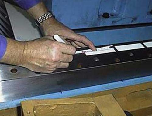 Gleitbeläge | Beschichtung einer Schleifmaschine